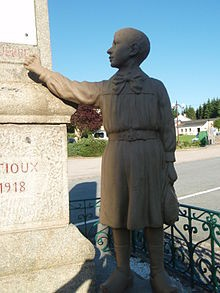 220px-Gentioux_monument_aux_morts_pacifiste.jpg